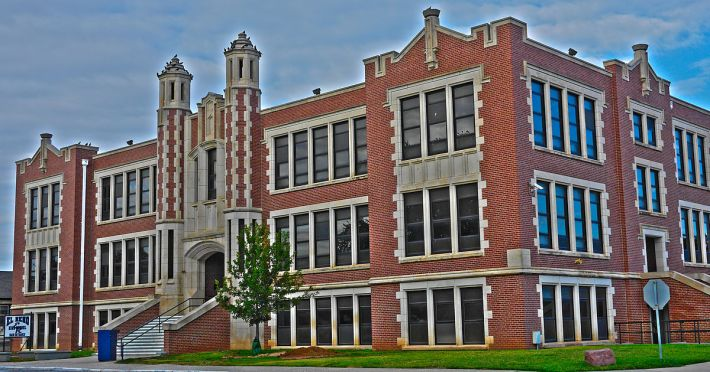1200px-ElRenoHighSchool